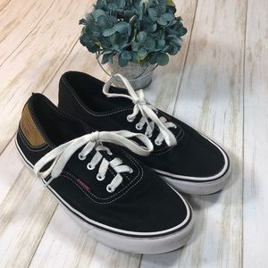 Women's Casual Levi Sneakers